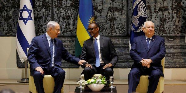 Paul Kagamé en compagnie du président Reuven Rivlin (à droite) et du premier ministre Benyamin Netanyahu