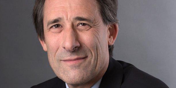 Emmanuel Macron envisage de nommer Robert Ophèle, actuel sous-gouverneur de la banque centrale française, au poste de président de l'AMF. Le président de l'Assemblée nationale et celui du Sénat sont saisis de ce projet de nomination, a annoncé mardi soir l'Elysée.