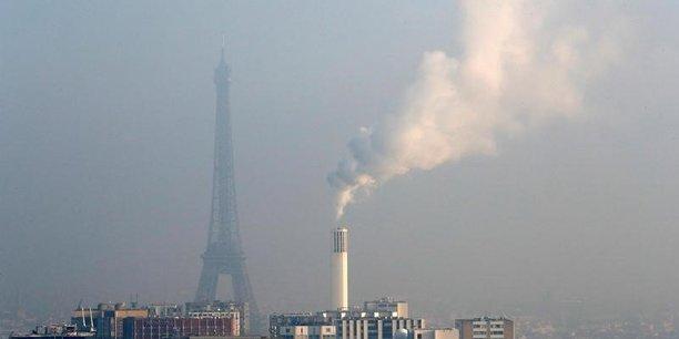 Près de 40% des investissements antipollution visent à éviter ou à limiter les effets de l'activité sur la qualité de l'air (337 millions d'euros) ou, via les émissions de gaz à effet de serre, sur l'équilibre du climat (182 millions d'euros).