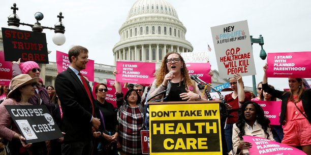 Donald Trump essuie un nouveau revers — Obamacare