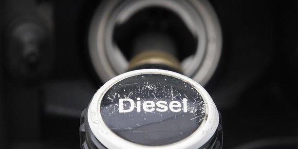Vers une hausse de 10 % des taxes sur le diesel en 2018