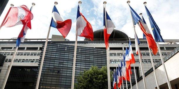 Le surcroît de plus de un point pour les subventions et les aides diverses (hors CICE) révèle une propension à soutenir l'économie marchande par la dépense publique bien plus forte qu'ailleurs, souligne France Stratégie.