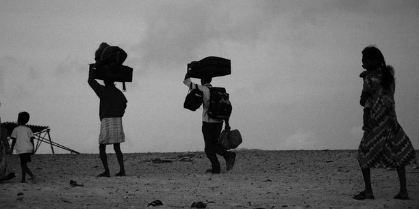 Des réfugiés tamouls, arrivant en Inde, dans l'État du Tamil Nadu, fuyant la Guerre civile du Sri Lanka.