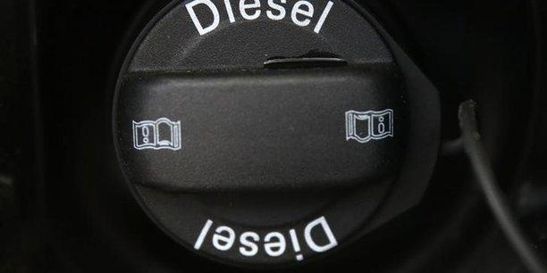 Le nombre de véhicules roulant au gazole a rapidement augmenté en Europe depuis les années 1990 par rapport à ceux fonctionnant à l'essence, et représente désormais près de la moitié de la flotte.