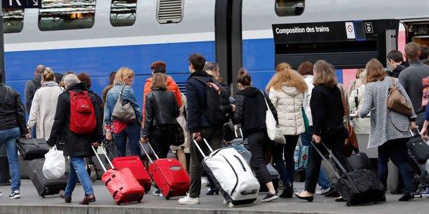 Afin de mieux informer les voyageurs, la SNCF a proposé un calendrier précis d'amélioration du système d'information des voyageurs pour le rendre plus réactif et plus cohérent et remettre l'information voyageur au cœur des pratiques