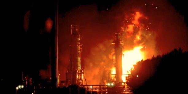 La plus grande raffinerie d'Europe brûlée (Photos) — Pays-Bas