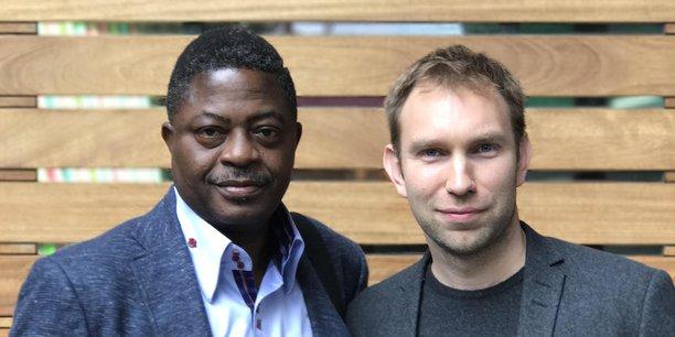 Chris Sheldrick, PDG et cofondateur de what3words, avec Dr. Bisi Adegbuyi, Directeur Général de NIPOST.