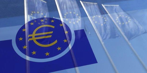 le Conseil des gouverneurs dévoilera en septembre ou en octobre ses intentions au-delà de cette année, tout en gardant la réunion de décembre pour donner des détails, comme le montant exact de la modification initiale, selon Elwin De Groot, économiste senior de Rabobank.