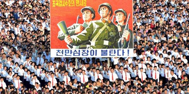 Le secteur de la défense, en harmonie avec la politique Byungjin du parti, doit produire en plus grandes quantités des armes de pointe conformes au Juché, a affirmé le Rodong Sinmun.