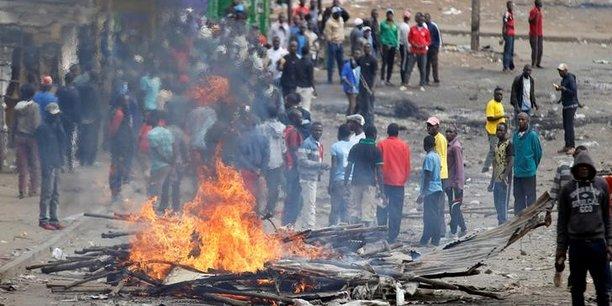 Une jeune kenyane tuee dans un tir de la police a nairobi[reuters.com]