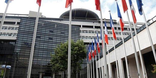 Baisse de 8,4 milliards d'euros du déficit budgétaire à fin octobre — France