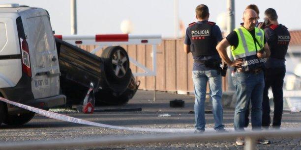 La police catalane sur le site de l'attaque de Cambrils.