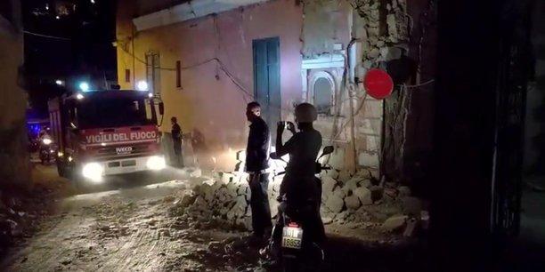 Seisme a ischia dans la baie de naples : un mort et 25 blesses[reuters.com]