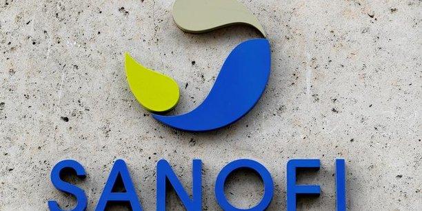 Le logo de la pharmacienne française Sanofi se voit devant le siège de la société à Paris, en France,