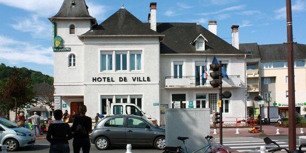 L'hôtel de ville de Jurançon, commune des Pyrénées-Atlantiques, 7 142 habitants.