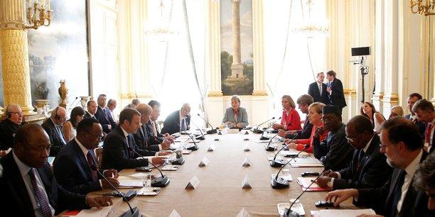 Ce lundi 28 août, les chefs d'Etat et de gouvernement européens et africains se sont réunis en France pour un mini-sommet consacré à la question de la gestion et du contrôle des flux migratoires en provenance d'Afrique.