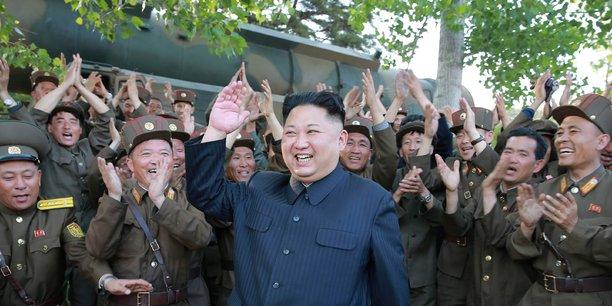 Cette nouvelle initiative du régime de Kim Jong un pose un défi direct au président américain Donald Trump qui s'était entretenu quelques heures auparavant au téléphone avec le Premier ministre japonais Shinzo Abe de la crise dans la péninsule coréenne.