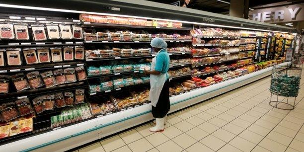 L'interdiction d'importation, décidée par les autorités mozambicaines, couvre les bovins vivants, les porcs, les chèvres et les moutons issus du territoire sud-africaine, de même que la viande et les produits dérivés de ces espèces.