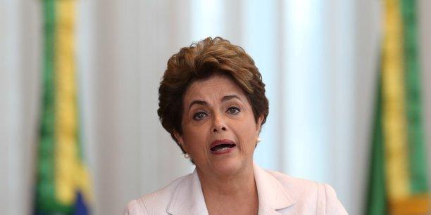 Dilma Rousseff, première femme à diriger ce pays, avait succédé à Lula en 2011. Elle avait été destituée en 2016 pour des soupçons de comptes publics.