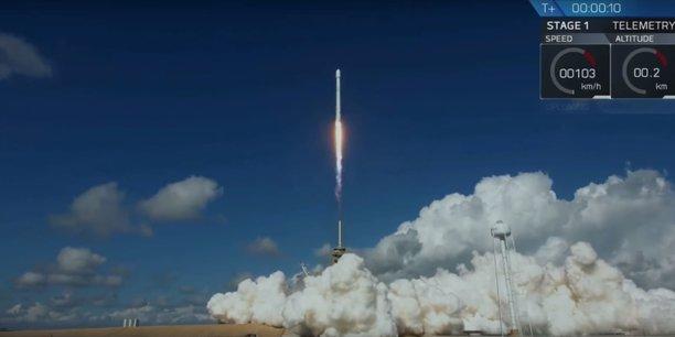 L'avion spatiale X-37B, également appelé Véhicule test orbital (OTV), est l'un des deux engins de ce type connus dans la flotte de l'US Air Force.