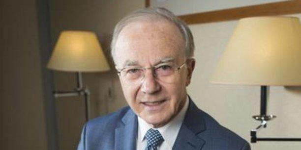 En 1982, depuis le Mali, Paul Derreumaux développe le réseau de la Bank of Africa. PDG du groupe depuis sa création, il quittera ses fonctions en janvier 2011. A ce jour, il est administrateur du holding et administrateur ou président de plusieurs filiales géographiques des BOA.