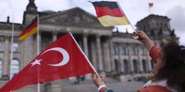 Les relations entre l'ue et la turquie vont s'ameliorer[reuters.com]