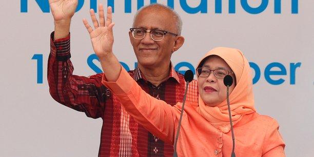 Une femme pour la premiere fois presidente a singapour[reuters.com]