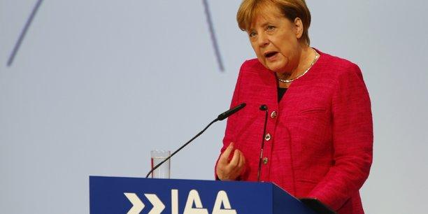 Merkel invite les constructeurs auto a restaurer la confiance[reuters.com]
