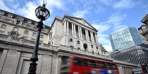 La vieille dame de Threadneedle Street, surnom donné à la Banque d'Angleterre dont le siège est situé dans la rue Threadneedle à Londres.