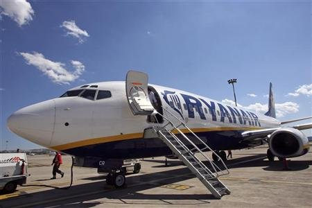 Ryanair branl de l 39 int rieur par le r cit d 39 un employ for Interieur avion ryanair
