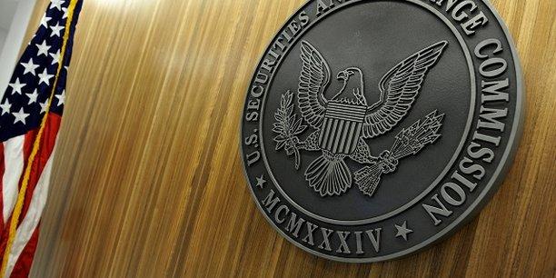 En décembre 2016, la SEC a poursuivi trois traders chinois qui avaient volé des informations boursières d'entreprises cotées.