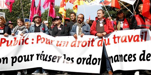 Les Français iront-ils à pied en ce printemps des réformes ? Les conditions d'une grève dure, à la façon de l'automne 1995, ne semblent pas réunies.