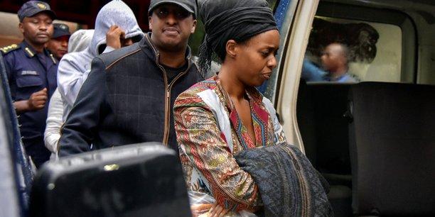 Diane Shima Rwigara, lors de son arrestation par la police, le 4 septembre 2017 à Kigali, la capitale du Rwanda.