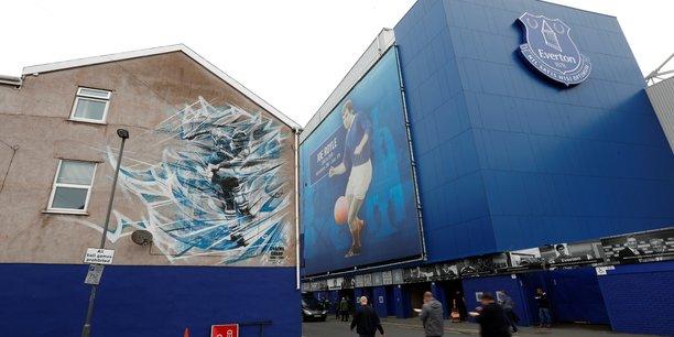 Outre les 300 millions de livres investis par le club d'Everton FC dans le projet, la phase de construction du stade devrait engendrer indirectement 900 millions de livres (1,021 milliards d'euros) d'activités pour la ville.