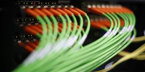 L'UFC-Que Choisir demande au gouvernement d'orienter en priorité ses financements dans les réseaux de l'internet fixe dans les zones aujourd'hui dépourvues d'un internet de qualité.