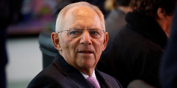 Wolfgang Schäuble, un fidèle de la chancelière Angela Merkel même s'ils n'étaient pas toujours d'accord, faisait l'objet de pressions amicales mais croissantes depuis plusieurs jours pour quitter son poste dans le futur gouvernement.