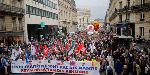 A Paris, plusieurs milliers de personnes ont défilé le 28 septembre à l'appel neuf organisations et associations de retraités.