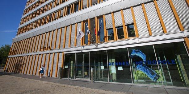 Rennes Métropole publie ses avis d'appels publics à concurrence pour les marchés de 209.000 euros HT et plus, exclusivement sur la plateforme numérique E-Megalis Bretagne depuis le mois de septembre. Gratuite, celle-ci recense tous les marchés publics de la région, tous domaines d'activités confondus. A terme, cette procédure permettre d'apporter plus de temps aux entreprises pour se concentrer sur leurs réponses aux offres.