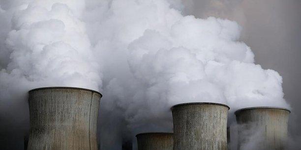 Les énergéticiens qui se sont convertis le plus tôt aux énergies propres sont en meilleure santé financière que les autres. (Photo : la centrale à charbon de Niederaussem de l'énergéticien allemand RWE, en 2016)