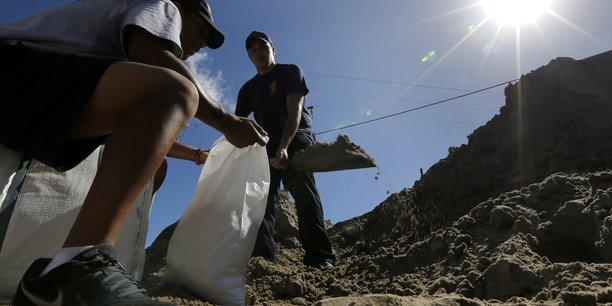 Nate approche de la nouvelle-orleans, 25 morts en amerique centrale[reuters.com]