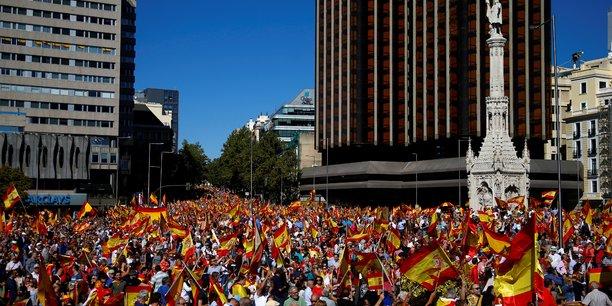 Manifestations a madrid et barcelone pour le dialogue et l'unite[reuters.com]
