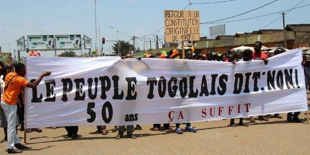 Manifestations dans les rues de la capitale togolaise Lomé, le 20 septembre 2017, appelant au retour à la Constitution originelle de 1992.