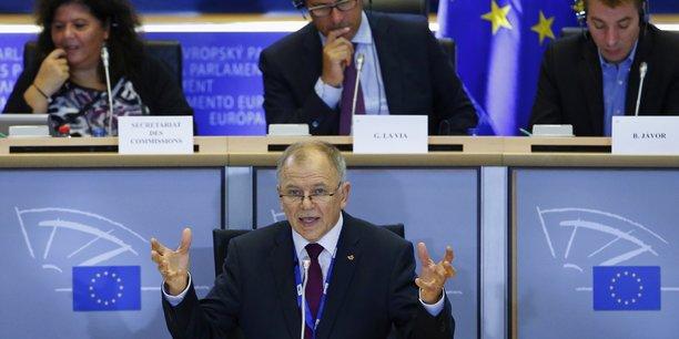 Le commissaire à la sécurité alimentaire et à la santé, Vytenis Andriukaitis (photo) a annoncé qu'il n'y aurait pas de réautorisation sans majorité qualifiée des États membres. La position de l'Allemagne sera déterminante.