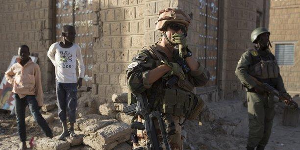 L'opération Barkhane a été lancée le 1er août 2014 dans la région du Sahel. Sa force militaire compte aujourd'hui quelque 4 000 militaires.
