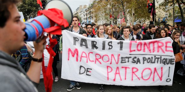 Les francais estiment que macron avantage les riches[reuters.com]