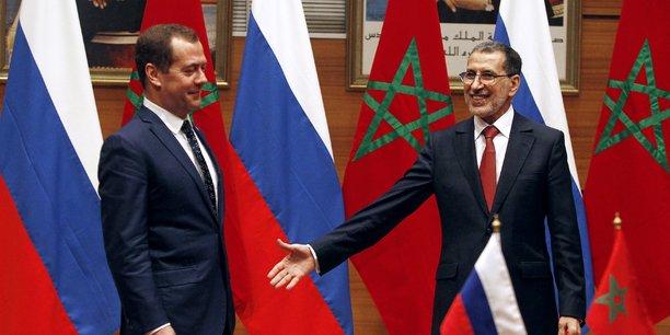 Le Premier ministre russe, Dimitri Medvedev, et le chef du gouvernement marocain, Saâdedinne El Otmani, lors de la conférence de presse conjointe, tenue le 11 octobre 2017 à Rabat, la capitale du Royaume du Maroc.