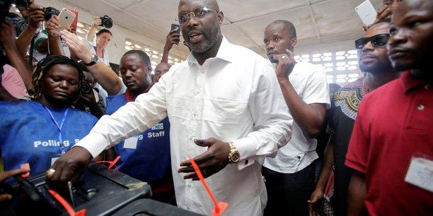Weah mene a la presidentielle dans 9 des 15 regions du liberia[reuters.com]