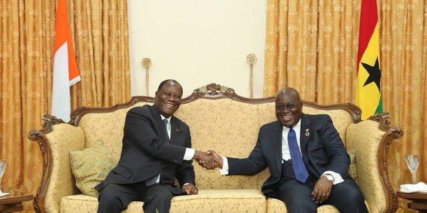 Le président ivoirien Alassane Ouattara et son homologue ghanéen, le président Nana Akufo-Addo, le mardi 17 octobre à Accra.