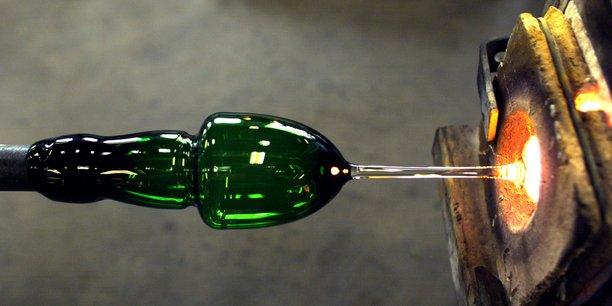 Créée en 1764, la société fabrique surtout des articles de table, des luminaires, des objets de décoration et des bijoux.