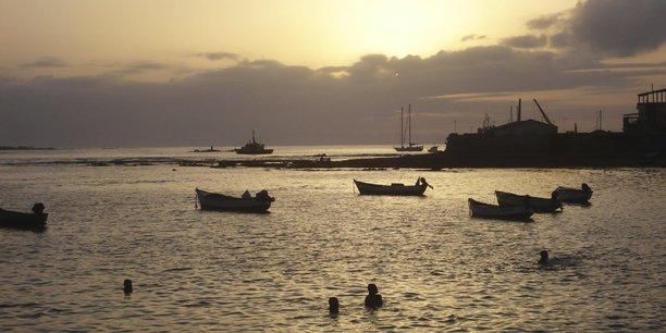Vue du port de Sal Rei, la ville principale de l'île de Boa Vista au Cap-Vert.